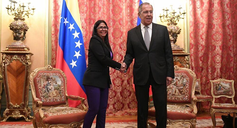 Delci Rodriguez in visita in Russia per l'acquisto del vaccino Sputnik V