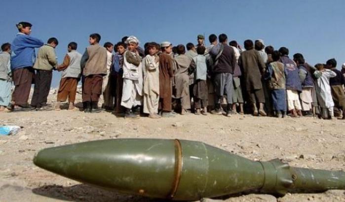 In Afganistan un atentato uccide 15 persone