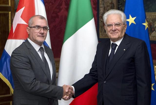 L'ambasciatore Josè Carlos Rodriguez con Sergio Mattarella