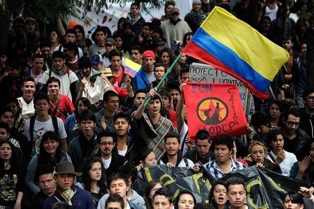 Continuano le manifestazioni in Colombia