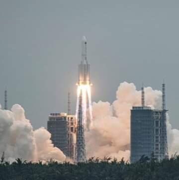 Il razzo vettore cinese Long March-5B