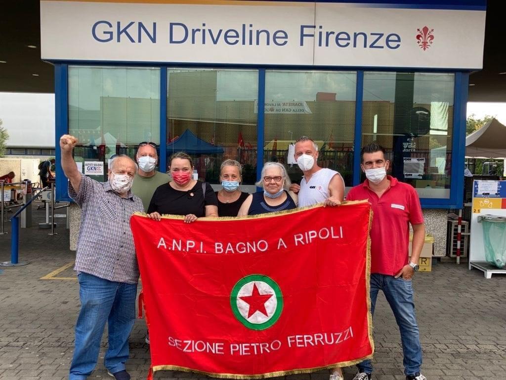 Gli operai della Gkn in protesta